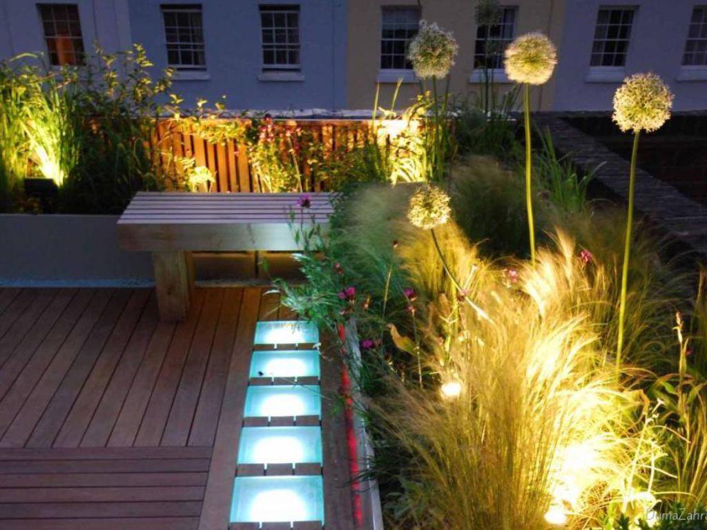 Prakticky osvětlená terasa pro večerní párty