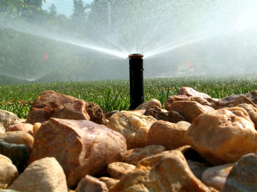 Výsečový postřikovač s nízkou spotřebou vody
