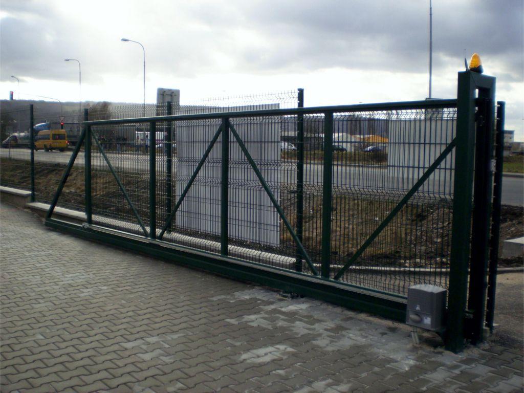 Vjezdová brána samonosná na automatický pohon