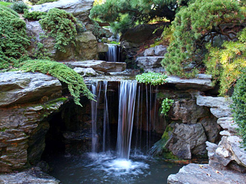 Zvuk vody dodá prostoru ozvěnu přírody
