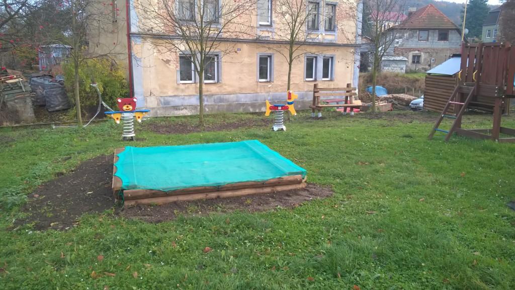 Dětské hřiště - rekonstrukce