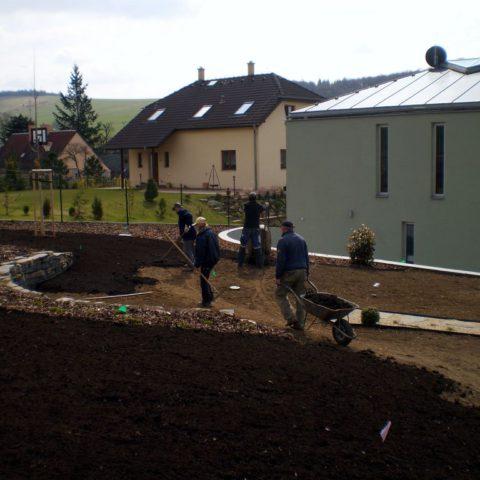 Příprava terený pod setý trávník